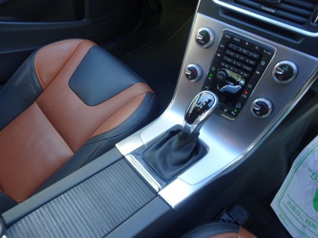 クロスカントリー T5 AWD SE 禁煙車 インテリセーフ 本革シート パワーバックドア(14枚目)