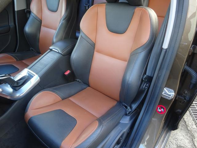 クロスカントリー T5 AWD SE 禁煙車 インテリセーフ 本革シート パワーバックドア(18枚目)