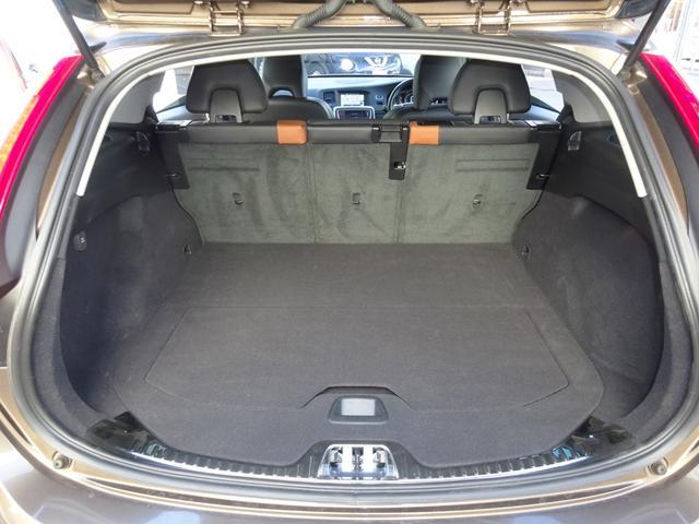 クロスカントリー T5 AWD SE 禁煙車 インテリセーフ 本革シート パワーバックドア(20枚目)