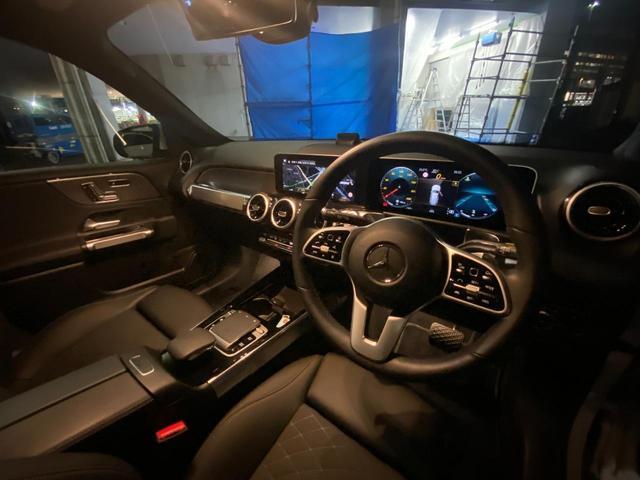 GLB200d レーダーセーフティパッケージ/ナビゲーションパッケージ/シートヒーター/メモリー付パワーシート/MBUX/電動リアゲート/360°カメラ/パークトロニック/フットトランクオープナー/認定中古車(12枚目)