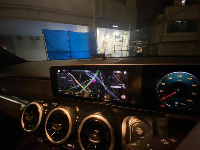 GLB200d レーダーセーフティパッケージ/ナビゲーションパッケージ/シートヒーター/メモリー付パワーシート/MBUX/電動リアゲート/360°カメラ/パークトロニック/フットトランクオープナー/認定中古車(13枚目)