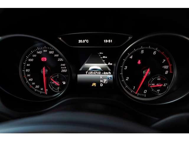 CLA180 AMG スタイル レーダーセーフティ デモカー(12枚目)