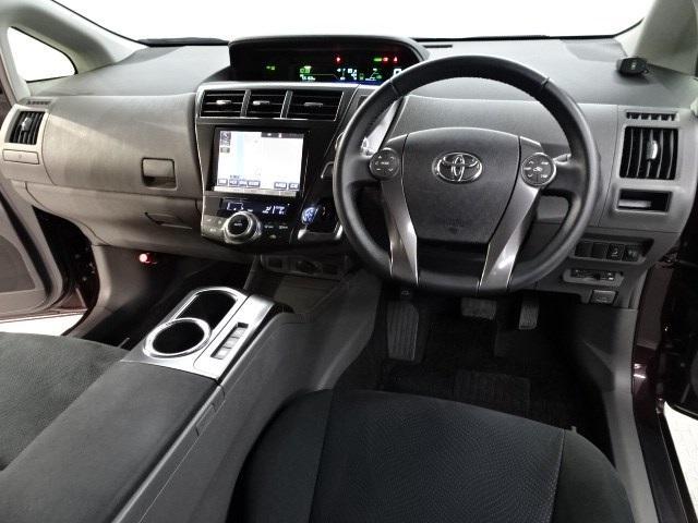 トヨタ プリウスアルファ S チューン ブラック 三列シート・大型メモリーナビ・ETC