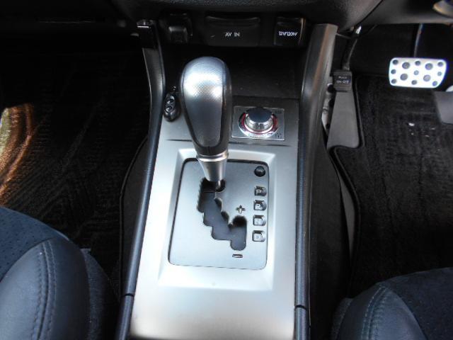 2.5i-Sアルカンターラセレクション 4WD プッシュスタート ガラスルーフ  HID フォグ アルミ ETC クルコン パワーシート(26枚目)