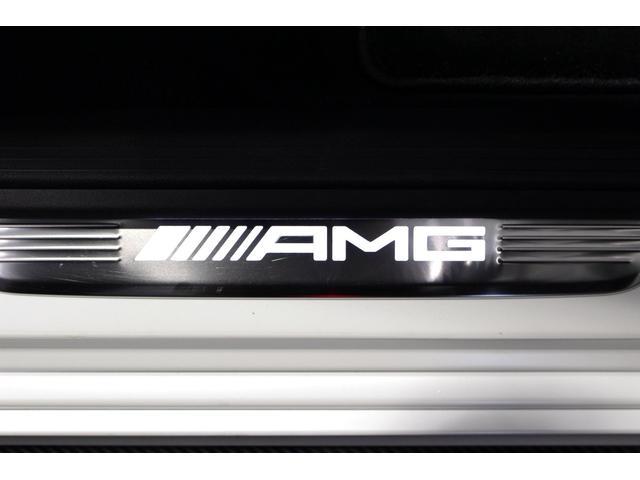 CLS53 4マチック+ MB認定2年保証 ガラス・スライディングルーフ マットホワイトボディラッピング施工済 黒本革シート(31枚目)
