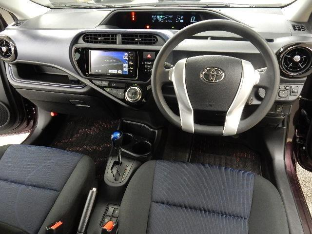 トヨタ アクア S メモリーナビ ワンセグ カラーコード9AH