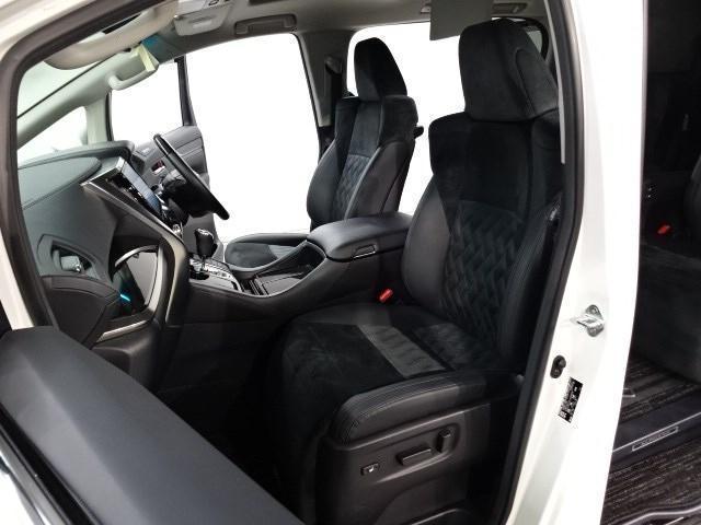 通常はパンク修理材ですが、オプションでスペアタイヤを選ぶことができます。