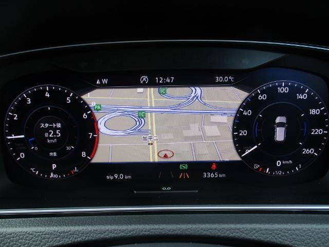 """稀少性の高い""""テックED""""には、特徴でもあるデジタルメーターや、専用ホイールが完備されており、先進技術とデザイン性とがマッチしております。視認性と操作性もよく、運転時には重宝致します。"""