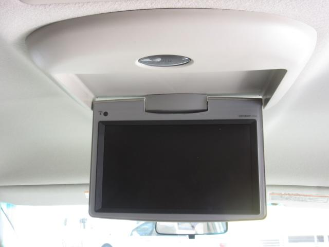 ★リップダウンモニター装着車!後部座席でのDVD視聴も可能です!!ロングドライブでも楽しくなりますね!