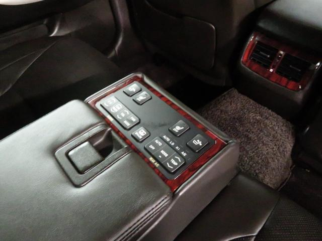 Gパッケージ 後期型 黒革エアシート カールソン19インチAW 新品フルタップ車高調 エアロパーツ 純正メーカーナビ ミュージックサーバー 地デジフルセグ プリクラッシュ クリアランスソナー(33枚目)
