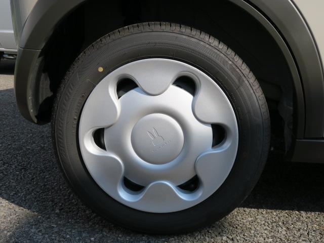 14インチフルホイルキャップとなります。タイヤの溝もまだまだ残っていますよ。