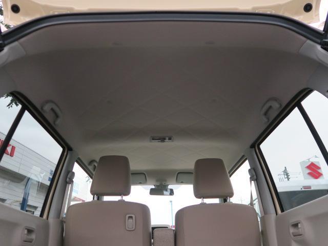 天井高もあり、大人の方が乗車しても余裕があります。