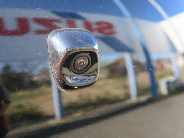 後方カメラ。全方位モニター対応のナビゲーションを装備すれば、車庫入れがしやすくなりますよ!
