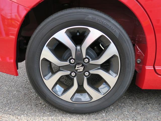 15インチアルミホイールです!タイヤの溝もまだまだ残っています!