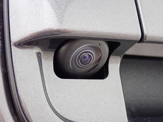 バックモニター付きです!駐車の際、これがあれば運転に自信が無い方も安心です!一度使うと手放せない必須装備ですよ!