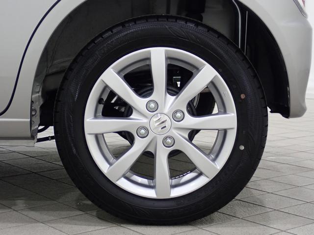 14インチアルミホイールになります。タイヤの溝もまだまだ残っていますよ。