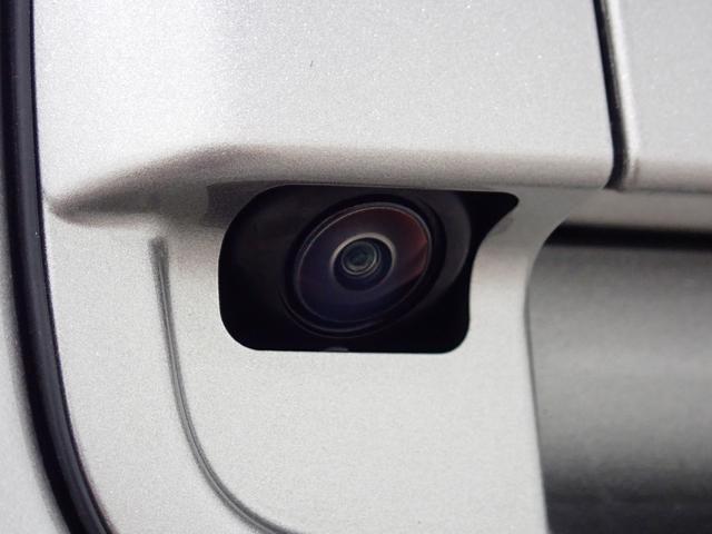 全方位モニターだけでなく、視点切り替えにより、状況に応じた使い分けができ便利ですよ!