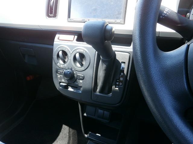VP バンタイプ 5速オートギアシフト 運転席エアバッグ エアコン パワステ キーレスエントリー ETC車載器 6インチカーナビゲーション(5枚目)