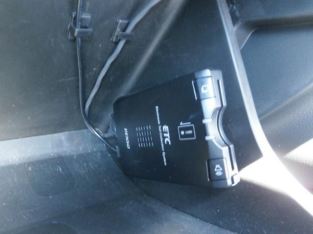 VP バンタイプ 5速オートギアシフト 運転席エアバッグ エアコン パワステ キーレスエントリー ETC車載器 6インチカーナビゲーション(6枚目)