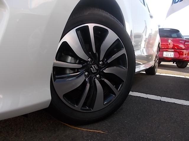 タイヤは16インチサイズになります!!スポーティーなデザインのアルミホイールが装着されます!!