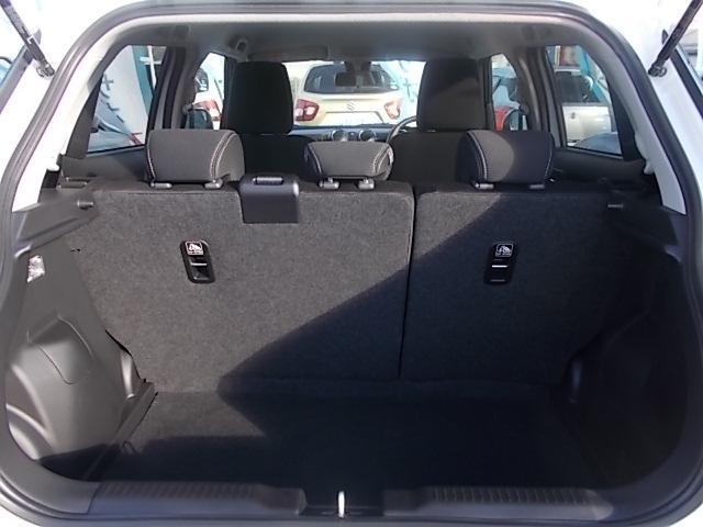フル乗車時のラゲッジスペースです!!旅行などの荷物でも対応可能なスペースです!!