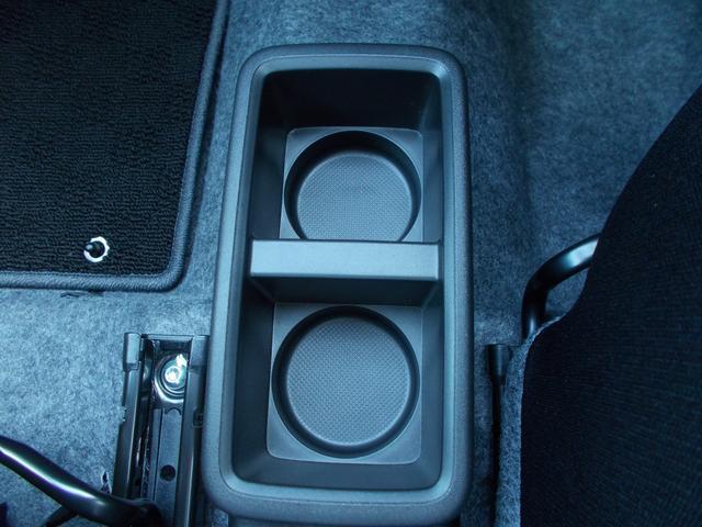 L 当社指定ナビ5万円引 デュアルセンサーブレーキサポート 後退時ブレーキサポート オートライトシステム 電動格納式リモコンドアミラー マニュアルエアコン キーレスエントリー(29枚目)