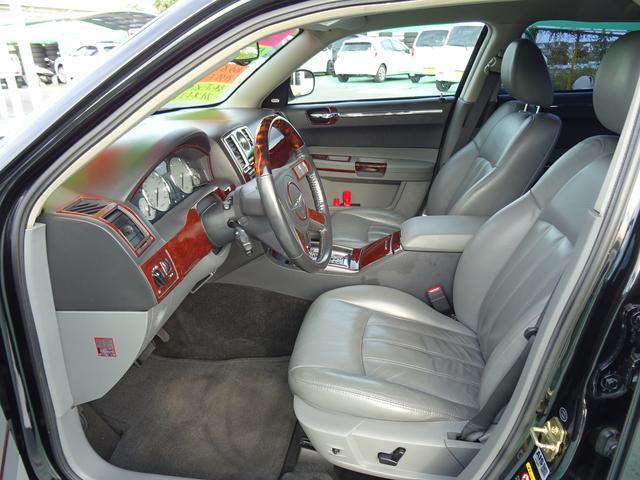 クライスラー クライスラー 300C 3.5ディーラー車社外エアロ社外22インチAW4速AT車