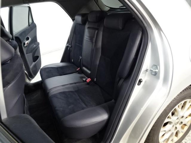 内外装現状の『アウトレット』車両になります。前オーナーから仕入れた車を現状にて販売となります。修復歴車もございますので詳細はスタッフにお問い合わせください。保証・整備付きでの販売になります。