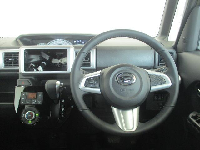 運転席周りの内装写真です