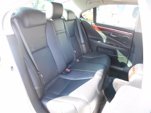 レクサス LS LS460 バージョンS 禁煙車 黒本革シート サンルーフ