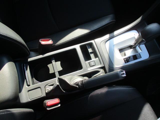 2.0i-Sアイサイト 禁煙1オーナー車 アイドリングストップ 衝突被害軽減 車線逸脱警報 全車速追従型クルーズ SDナビ1セグTV CD DVD USB Bluetooth ETC ドラレコ ハーフレザー電動シート HID(10枚目)
