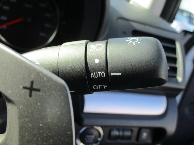 2.0i-Sアイサイト 禁煙1オーナー車 アイドリングストップ 衝突被害軽減 車線逸脱警報 全車速追従型クルーズ SDナビ1セグTV CD DVD USB Bluetooth ETC ドラレコ ハーフレザー電動シート HID(14枚目)