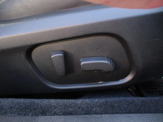 2.0i-Sアイサイト 禁煙1オーナー車 アイドリングストップ 衝突被害軽減 車線逸脱警報 全車速追従型クルーズ SDナビ1セグTV CD DVD USB Bluetooth ETC ドラレコ ハーフレザー電動シート HID(19枚目)