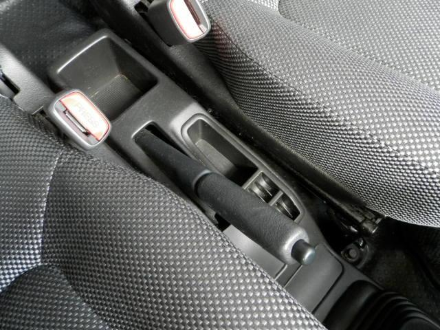ターボG ターボ4WD5速マニュアル純正13インチアルミホイール電動格納ミラーフォグランプ衝突安全ボディーフルフラットシートWエアバックABSサイドバイザーベンチシート純正フロアマットフル装備パワーステアリング(17枚目)