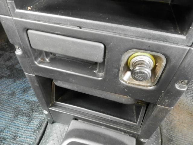 ターボG ターボ4WD5速マニュアル純正13インチアルミホイール電動格納ミラーフォグランプ衝突安全ボディーフルフラットシートWエアバックABSサイドバイザーベンチシート純正フロアマットフル装備パワーステアリング(22枚目)