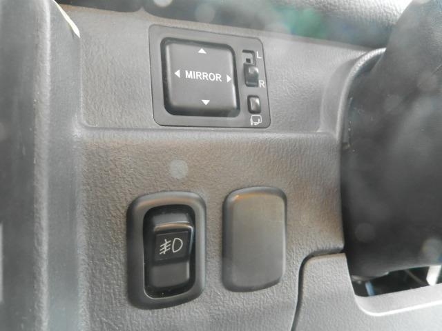 ターボG ターボ4WD5速マニュアル純正13インチアルミホイール電動格納ミラーフォグランプ衝突安全ボディーフルフラットシートWエアバックABSサイドバイザーベンチシート純正フロアマットフル装備パワーステアリング(23枚目)