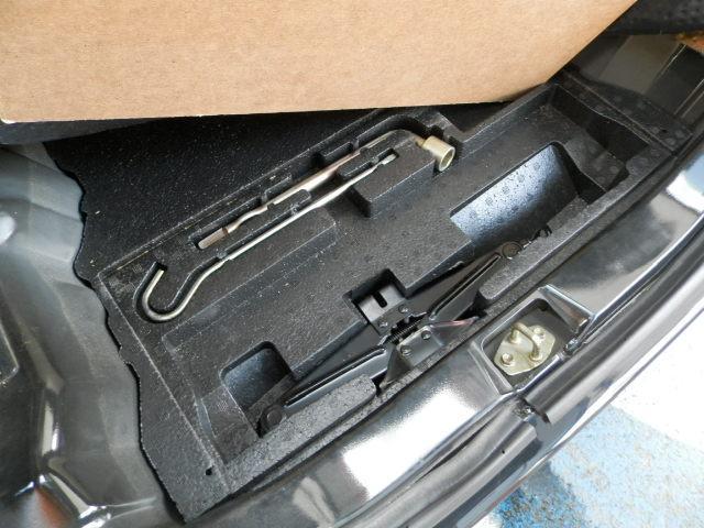 ターボG ターボ4WD5速マニュアル純正13インチアルミホイール電動格納ミラーフォグランプ衝突安全ボディーフルフラットシートWエアバックABSサイドバイザーベンチシート純正フロアマットフル装備パワーステアリング(34枚目)