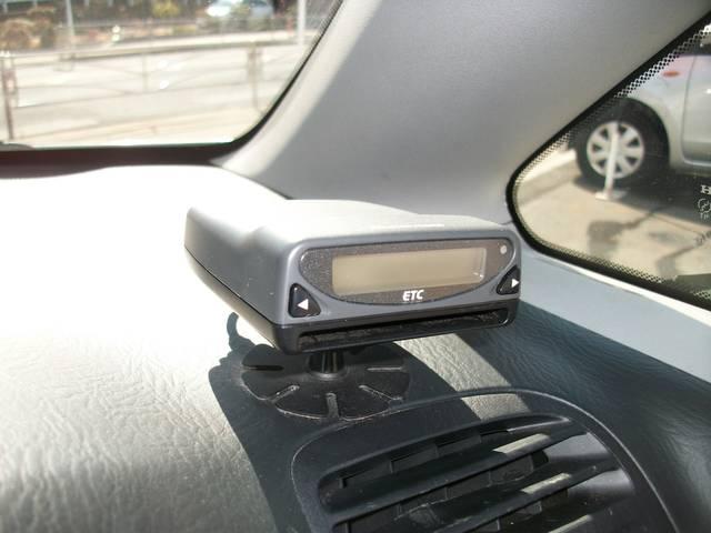 ホンダ ストリーム S HDDナビ バックカメラ HID ETC