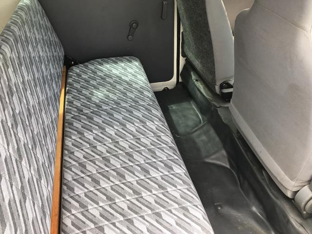 ダイハツ ハイゼットカーゴ DX エアコン コラムAT 軽バン カセット 4名乗り