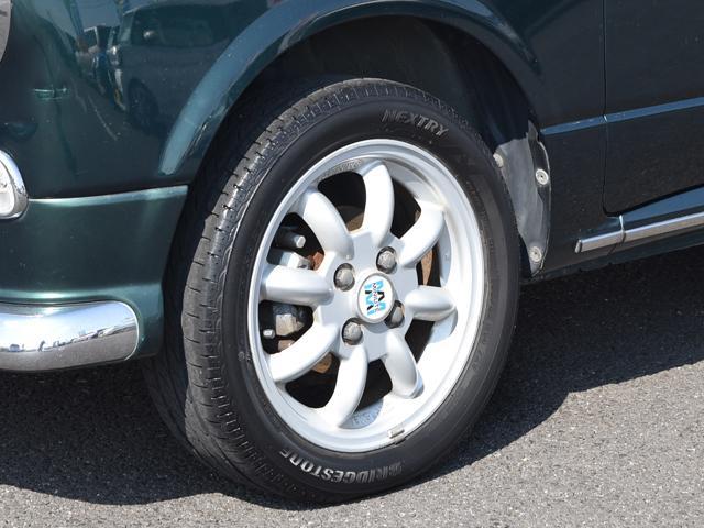 アフターサービスもバッチリですよ!! タイヤの組み換え作業等も出来ますのでご安心下さい。 エンジンオイル交換は1台【1,500円】の格安にて行っております。