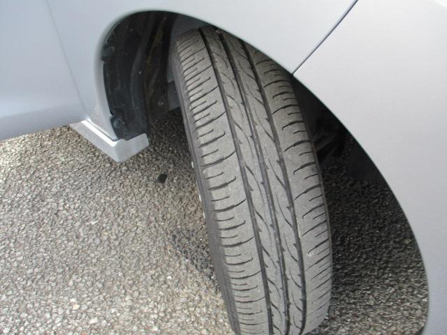 当店にてタイヤ交換も承っております!新品タイヤから中古タイヤやスタッドレスタイヤ等も当社でお安く承ります!もちろん社外アルミホイールの取り付けも承っております。お気軽に当店スタッフまでご相談ください!
