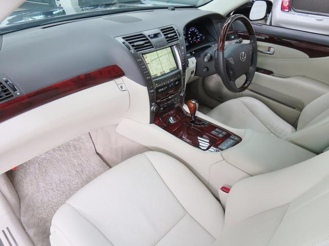 レクサス LS LS600hバージョンU白革SRフルセグナビ車内カメラセンサ
