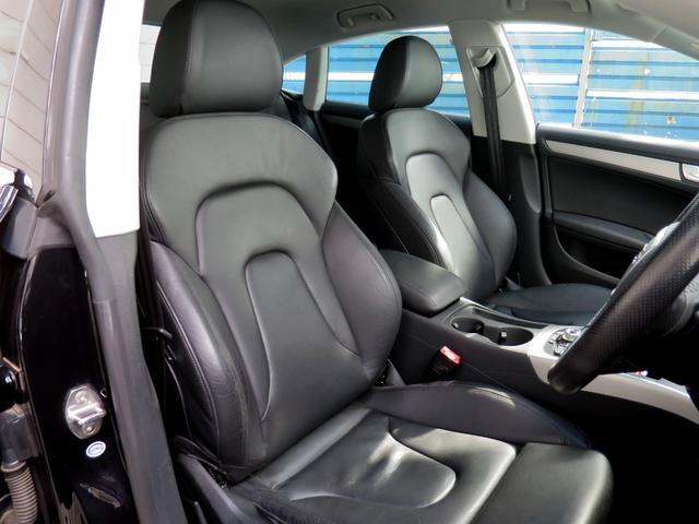 肌触りと座り心地がよい本革シートです!上品でかつエレガントな高級感のあるシート。外装だけではなく内装もこだわってみてはいかがでしょうか!