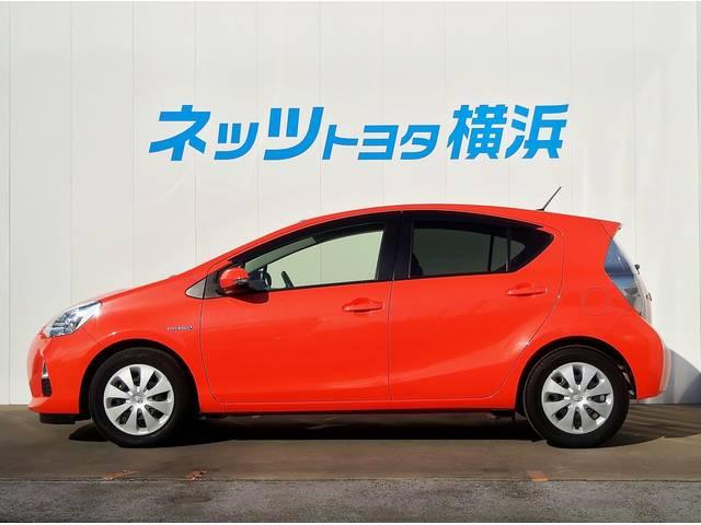 トヨタ アクア G 新品本革ステアリング・新品フロアマット シートヒーター