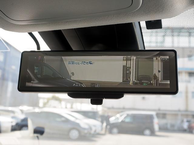 電子インナーミラーを装備しています!後席のヘッドレストや座っている人が映り込まないので後方の視界がはっきり見えて安心です!