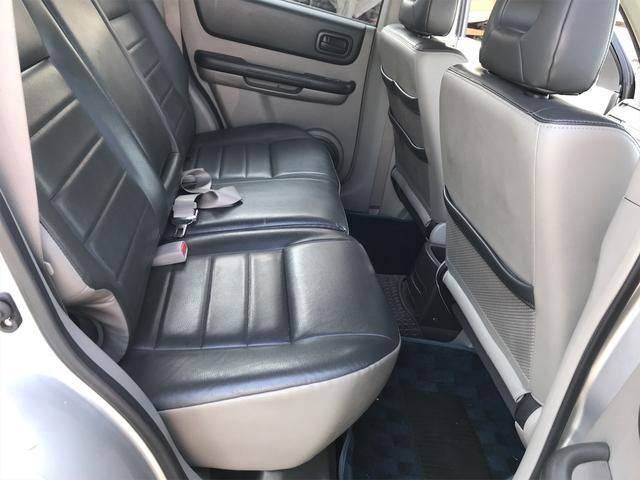 Stt 4WD HDDナビ フルセグTV ETC DVD再生 シートヒーター HID 記録簿付き スマートキー 16インチアルミホイール(14枚目)