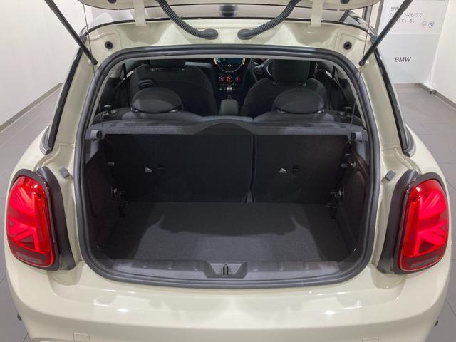 クーパーSD 車検整備付 弊社下取車 バックカメラ 前後センサー 禁煙車 前車追従機能 17インチAW ブラックホイール 衝突軽減ブレーキ Bluetooth/USB LEDヘッドライト ブラックライトリング(8枚目)