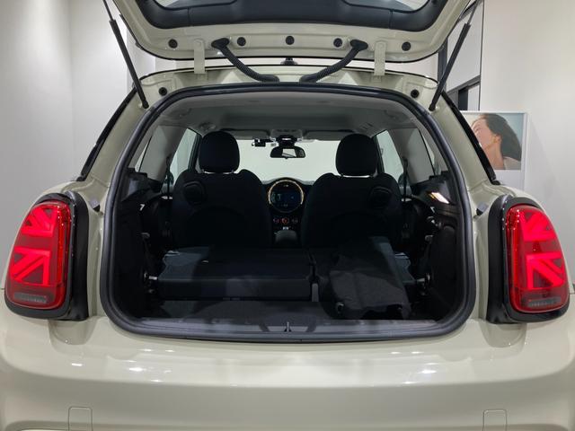 クーパーSD 車検整備付 弊社下取車 バックカメラ 前後センサー 禁煙車 前車追従機能 17インチAW ブラックホイール 衝突軽減ブレーキ Bluetooth/USB LEDヘッドライト ブラックライトリング(9枚目)