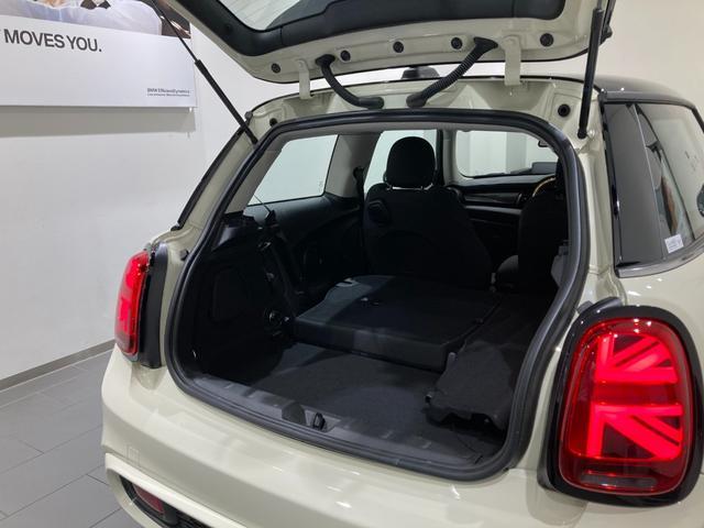 クーパーSD 車検整備付 弊社下取車 バックカメラ 前後センサー 禁煙車 前車追従機能 17インチAW ブラックホイール 衝突軽減ブレーキ Bluetooth/USB LEDヘッドライト ブラックライトリング(10枚目)