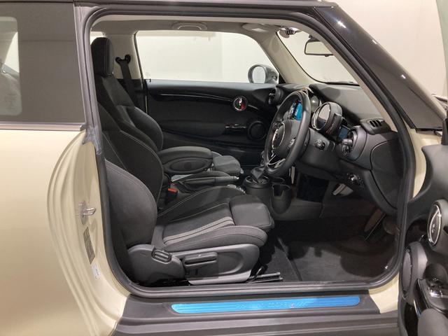 クーパーSD 車検整備付 弊社下取車 バックカメラ 前後センサー 禁煙車 前車追従機能 17インチAW ブラックホイール 衝突軽減ブレーキ Bluetooth/USB LEDヘッドライト ブラックライトリング(15枚目)